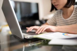 在宅勤務をさらに活かす、柔軟な労働時間制度